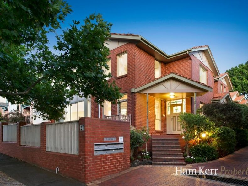 1/27 Fairholm Grove, Camberwell, VIC