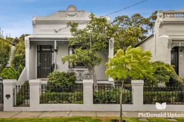 17 Robb Street, Essendon, VIC