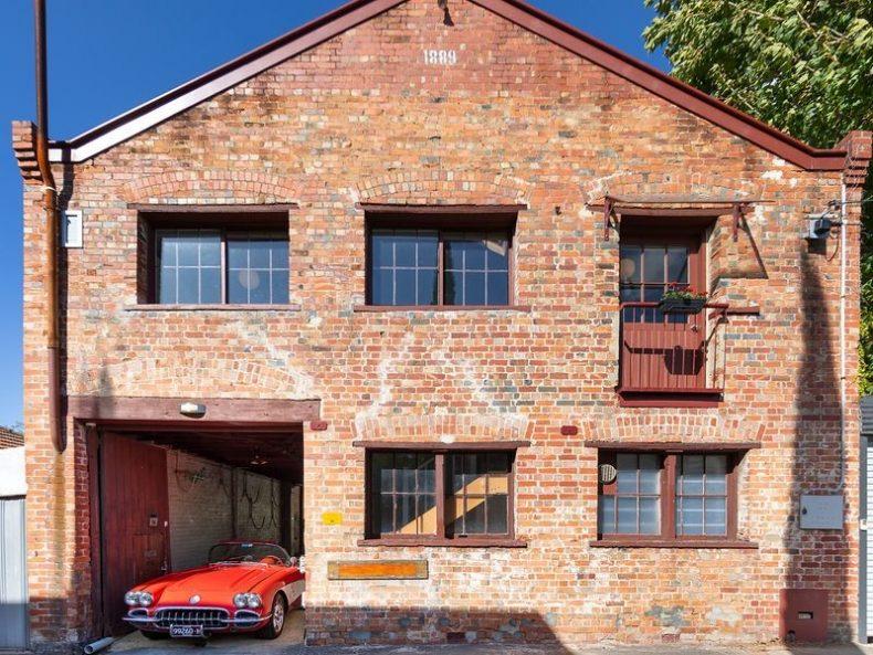 114 Munnering Lane, Carlton North, VIC
