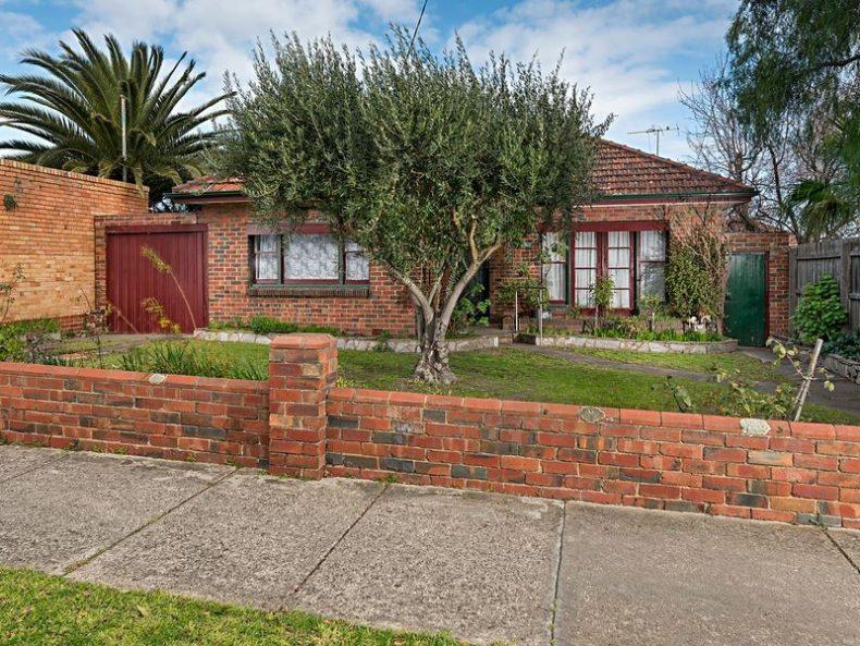 69 Woolton Avenue, Thornbury, VIC